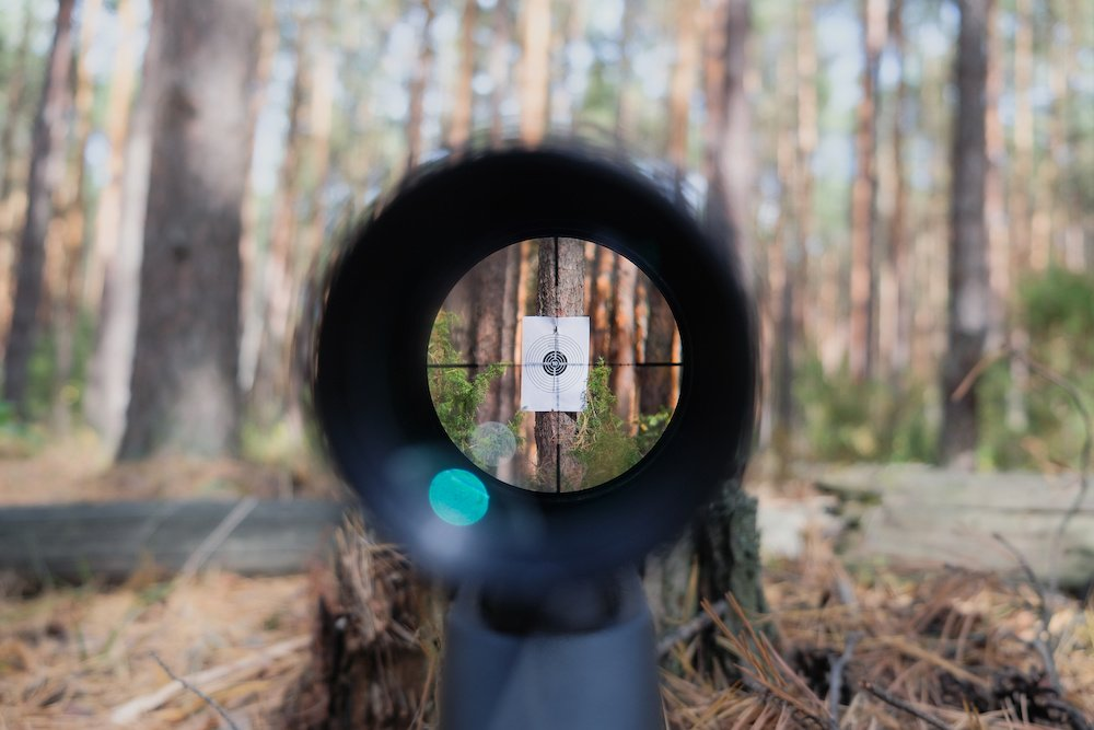 how to shoot a rifle with a scope